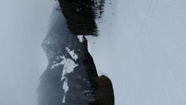 Neve fresca (perlopiù caduta di notte) non battuta, impianti tutti aperti