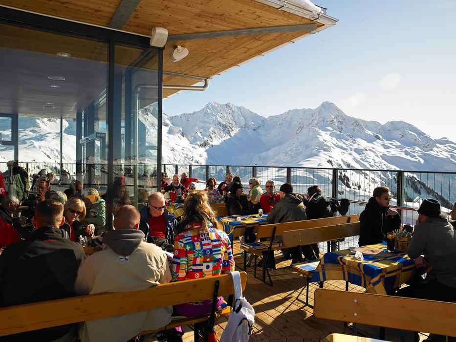 Muttjöchle mit Terrasse - © Skigebiet Sonnenkopf