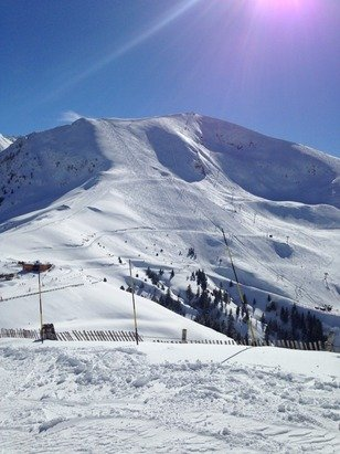 Great snow, not busy at all despite school holidays, kids loved it! Rhododendrons black run a good challenge