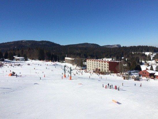 Temps magnifique toute la semaine, neige agréable et station familiale super sympa.