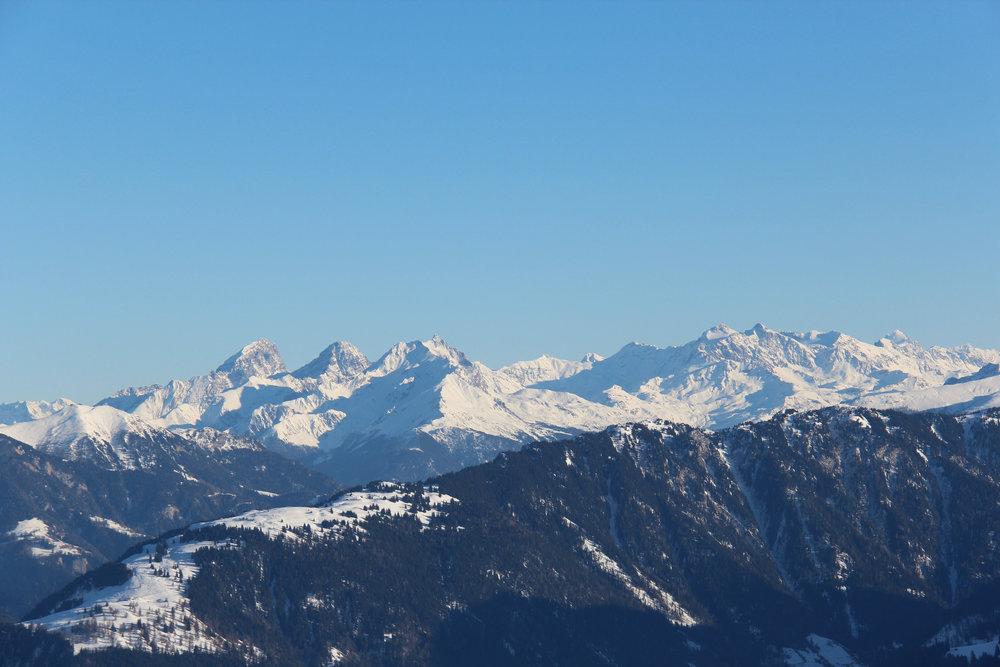 Blick auf die umliegenden Dreitausender - © Skiinfo.de