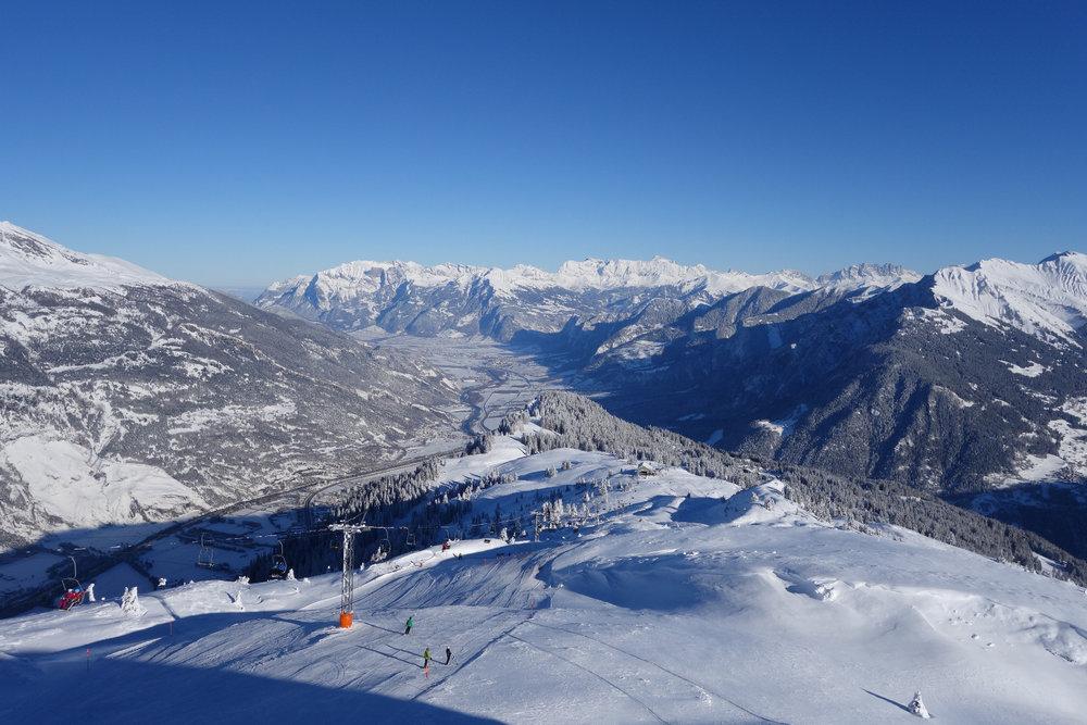 Ein Blick über die schweizer Alpen - © Chur Tourismus - Michael Christ