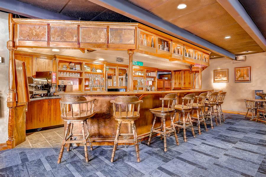 Bar of Goldminer's Daughter at Alta Ski Resort - ©Alta Ski Area