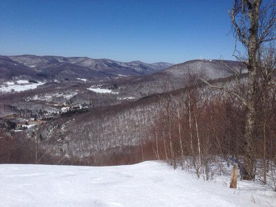 Jiminy Peak - Great day of spring skiing - © Aardvark iPhone
