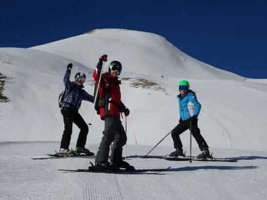 Corno alle Scale - Bellissima giornata con gli amici dello sci snow club Bacchereto!!La neve ha retto bene fino alle 12:30 soprattutto dalla parte del paginone! Abbronzatura ad ok!!  - © j.nunziati