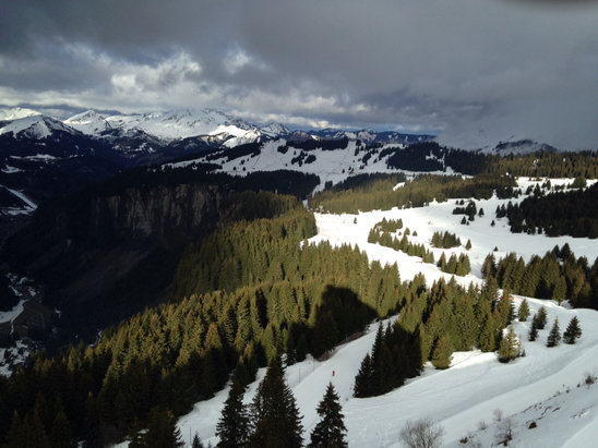 Avoriaz - Some clear ski but didn't last long. High winds and rain are making for interesting skiing!!  - ©emma's iPhone