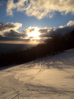 Stratton Mountain - Easter service - ©devlinrb's iPhone