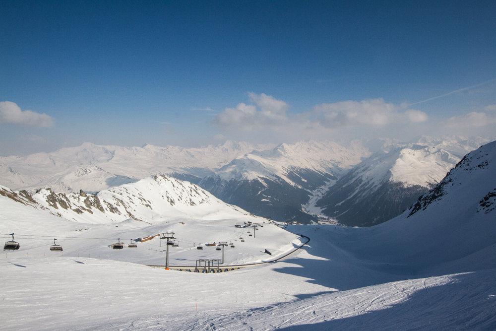 Blick auf die Piste Nr. 4 vom Weissfluhjoch Richtung Davos - © Skiinfo