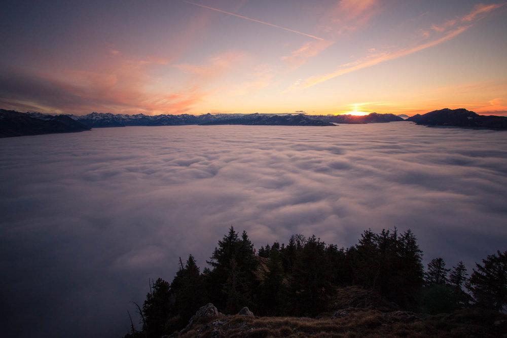 Inversionswetterlage und Sonnenuntergang am Burgberger Hörnle - © Frieda Knorke