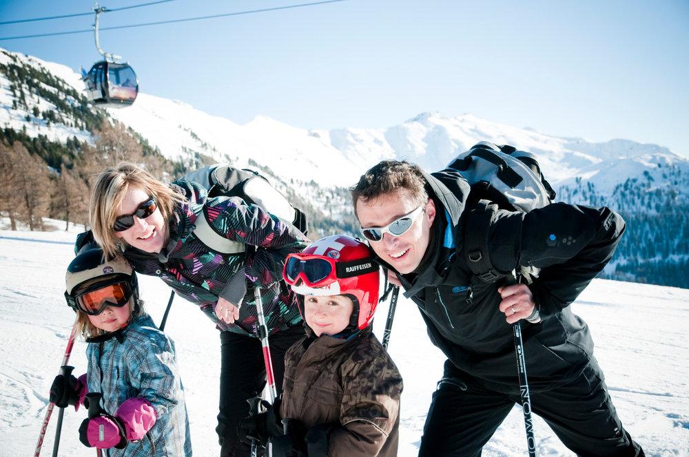 Ski en famille sur les pentes enneigées de Veysonnaz - © lafouinographe.com