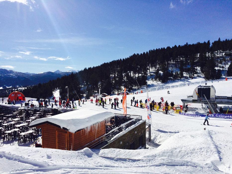 Le front de neige de Formiguères - © Station de ski de Formiguères