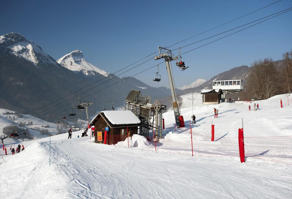 Belle journée de ski sur les pentes des Aillons - © OT des Aillons-Margériaz