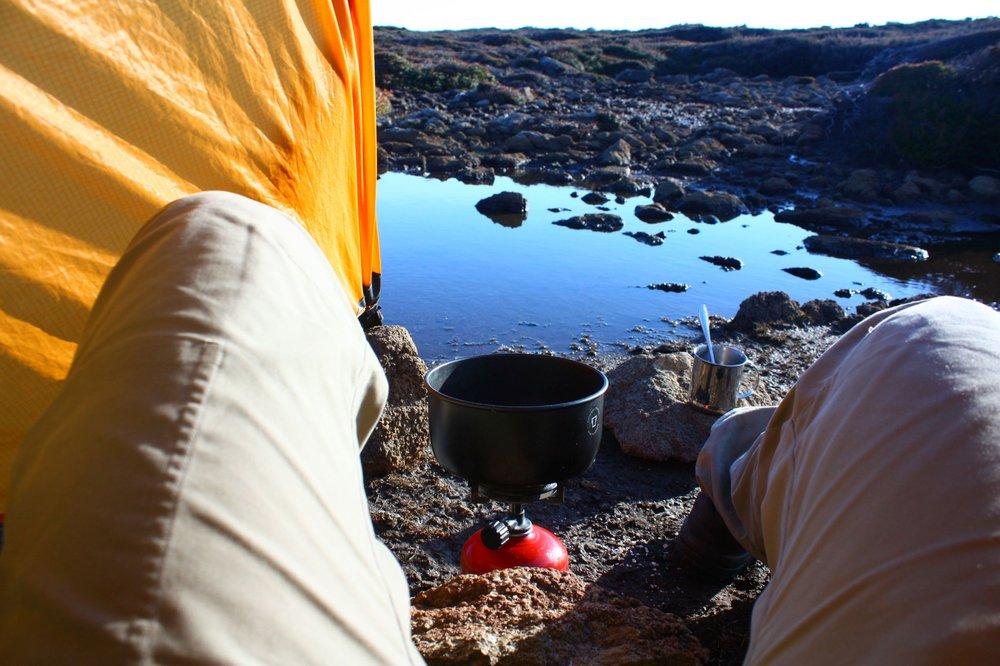 Teezubereitung auf dem Cape Pillar-Track auf Tasmanien - © Frieda Knorke