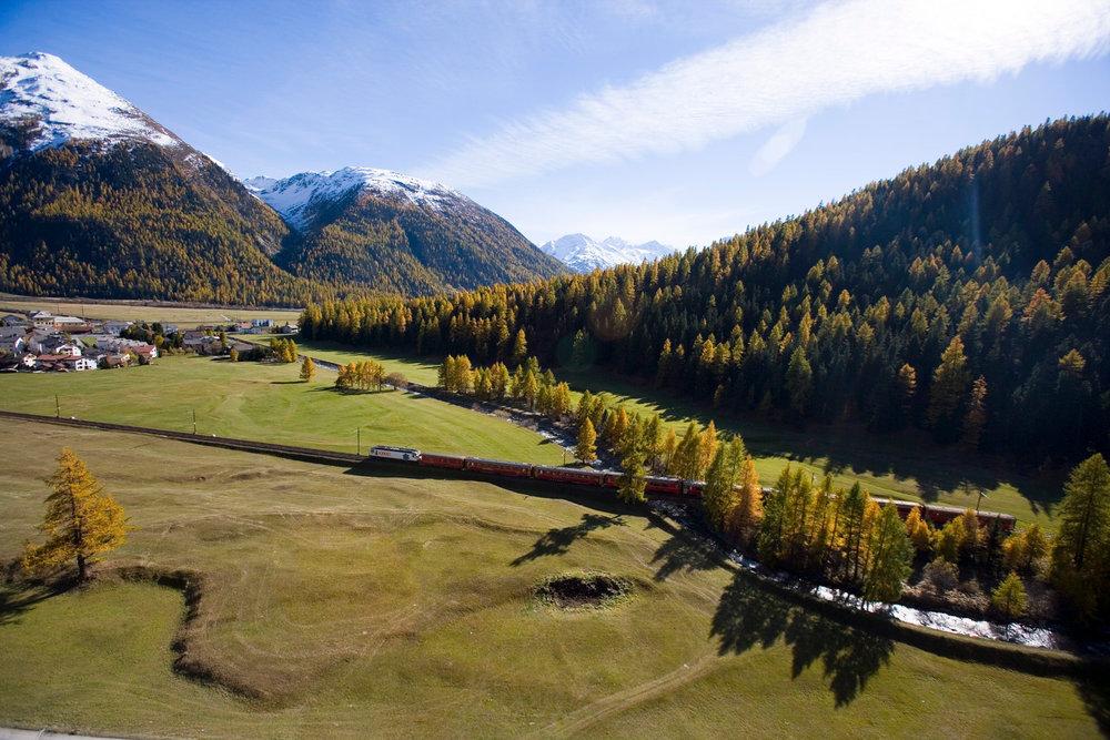 Rhätische Bahn bei Samedan / St. Moritz - © Graubünden Ferien | Andrea Badrutt