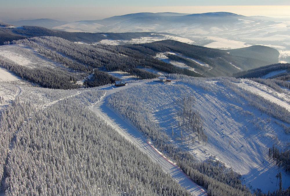 Ośrodek narciarski Dolni Morava z lotu ptaka - © Relax & sport resort Dolní Morava