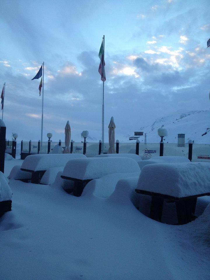Passo Stelvio, neve fresca 15.10.15 - © Pirovano Passo Stelvio Facebook