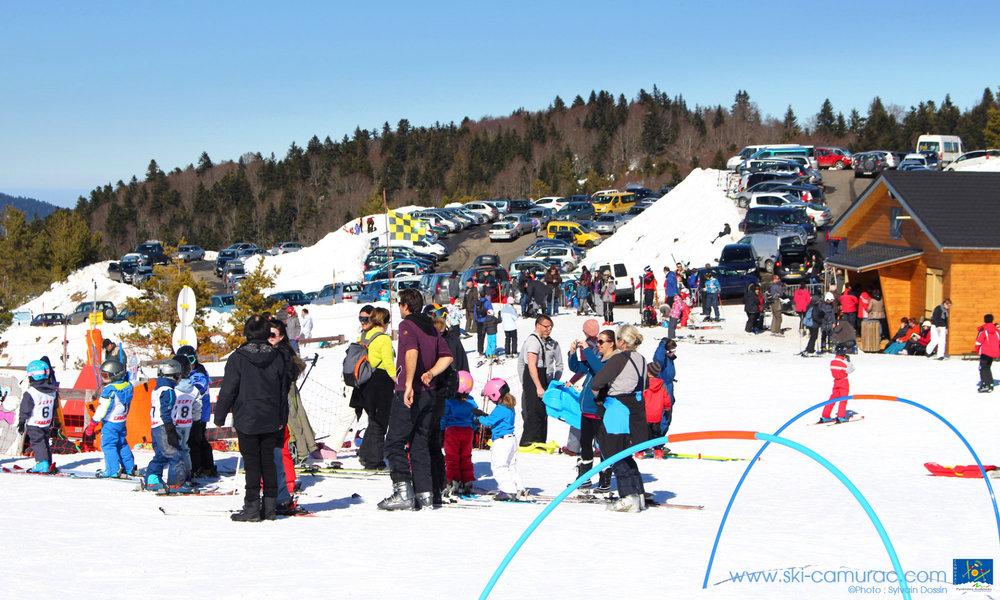 Sur le front de neige de Camurac - © Sylvain Dossin / Station de ski de CAMURAC