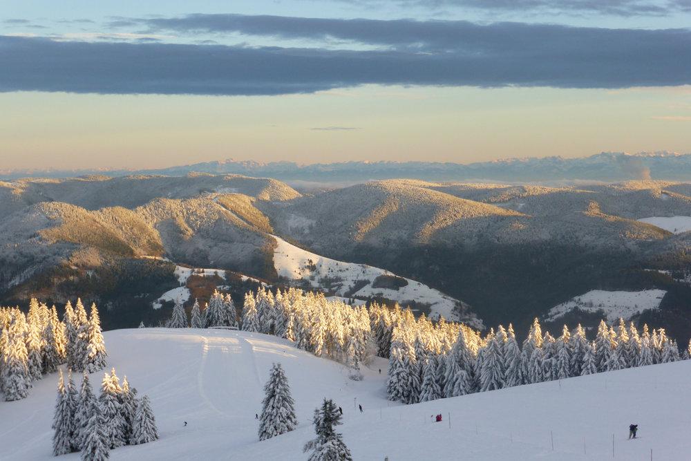 Der Blick über die Landschaft ist einfach atemberaubend - © Schwarzwaldregion Belchen