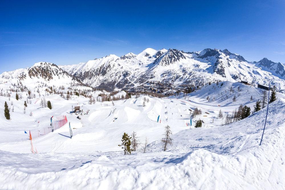 Vue générale du snowpark d'Isola 2000 - © R. Palomba / Stations du Mercantour