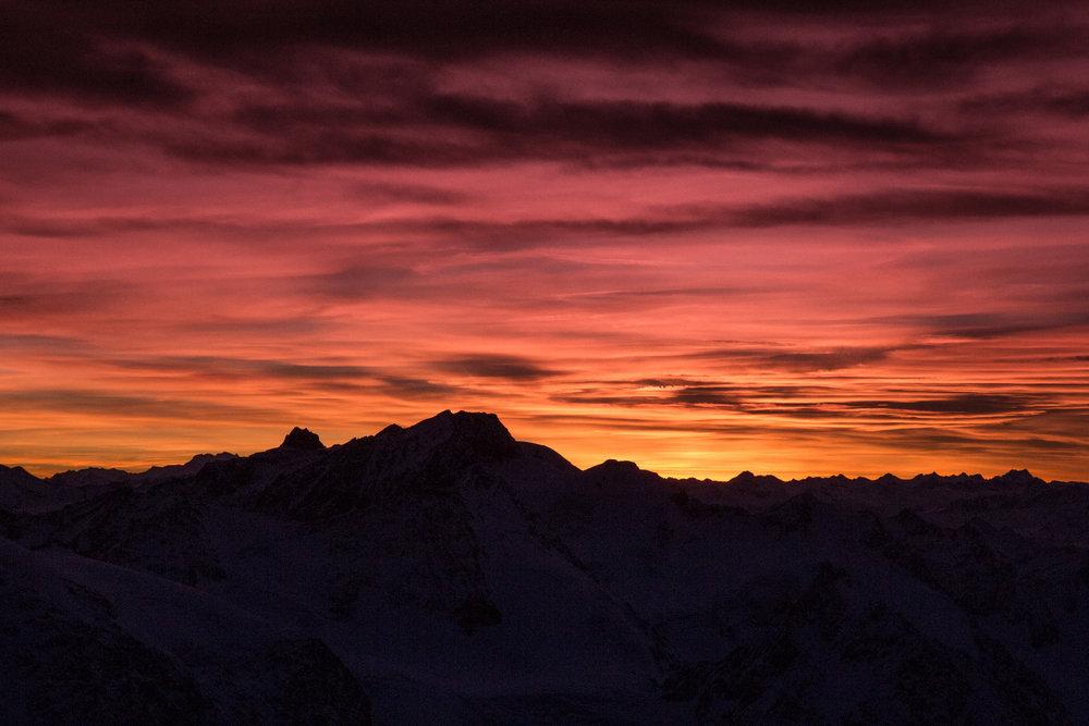 Slnko zapadá a na ľadovec padne noc. - © Pitztaler Gletscherbahn