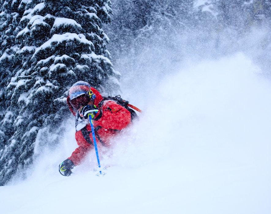 Wolf Creek Ski Area verdrinkt in de verse sneeuw. - © Jason Lombard