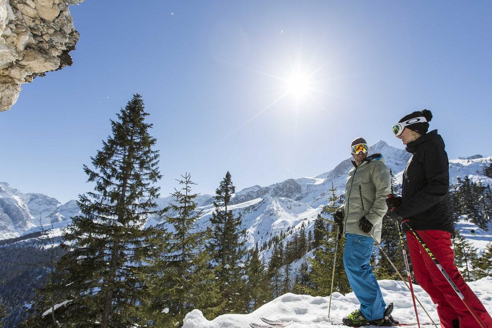 Traumhafte Ausblicke im Skigebiet Garmisch Classic - © Bayerische Zugspitzbahn / Matthias Fend
