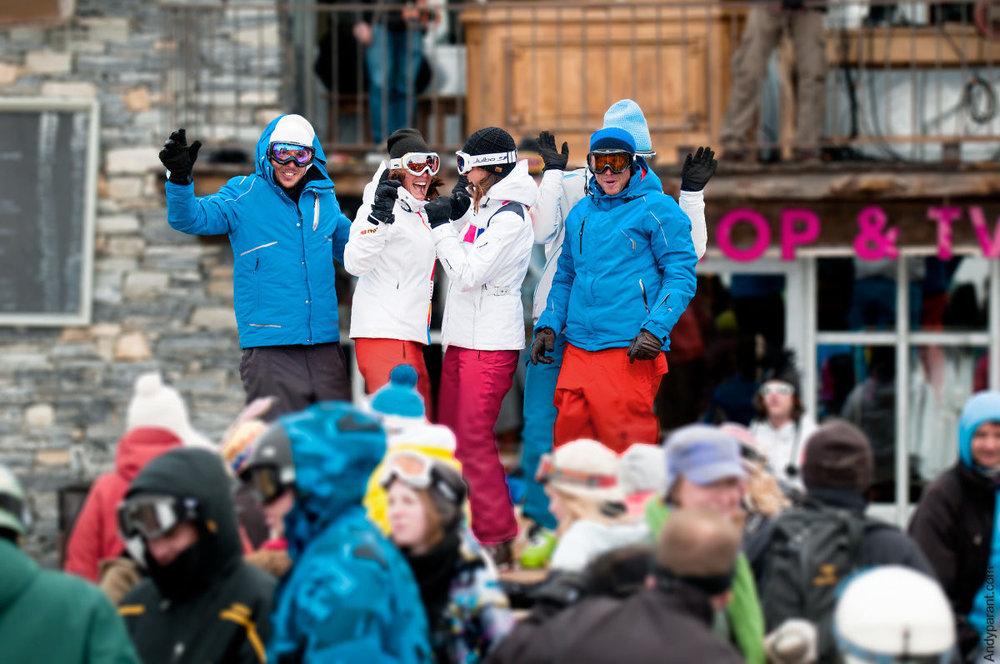 La musique enivre de plus en plus les terrasses des domaines skiables... - © OT de Val d'Isère