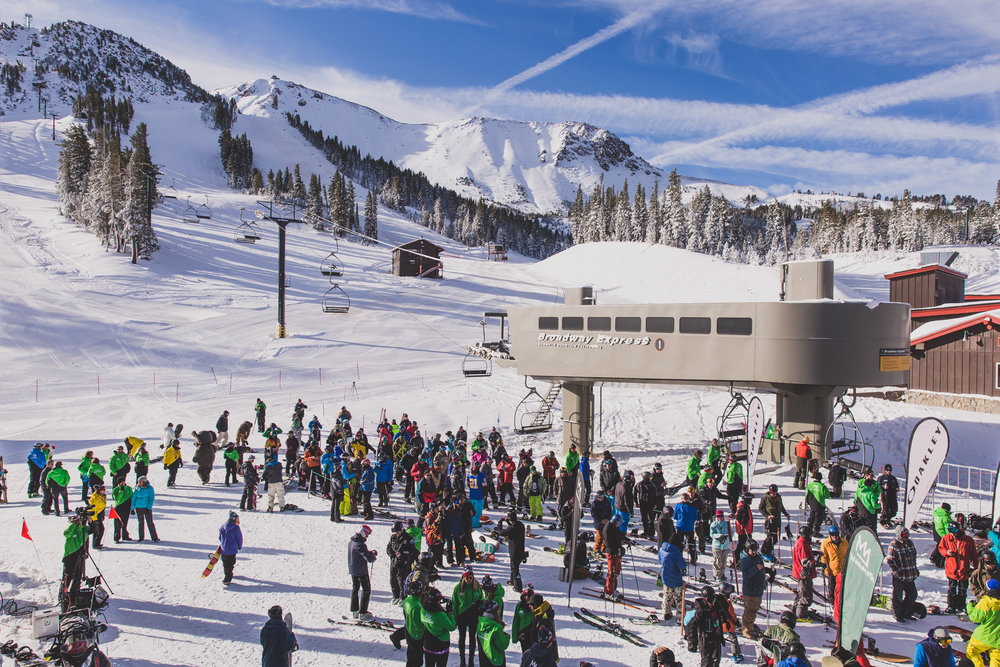 Crowds gather for Broadway Express on opening day 2015 at Mammoth Mountain  - © Peter Morning/Mammoth Mountain