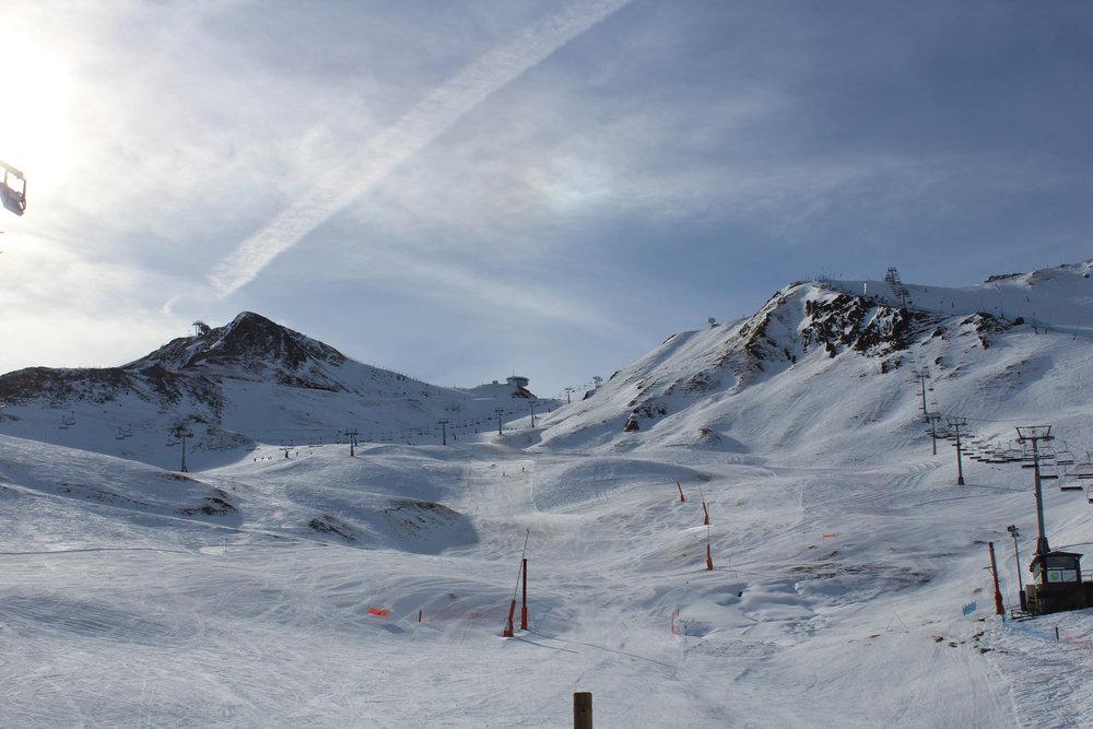 Vue des pistes de ski depuis Pas de la Casa - © Pauline Landais-Barrau / Skiinfo