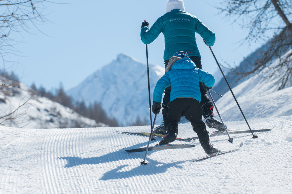 Ski de fond en famille sur le domaine nordique du Queyras - © M. Molle / OT du Queyras