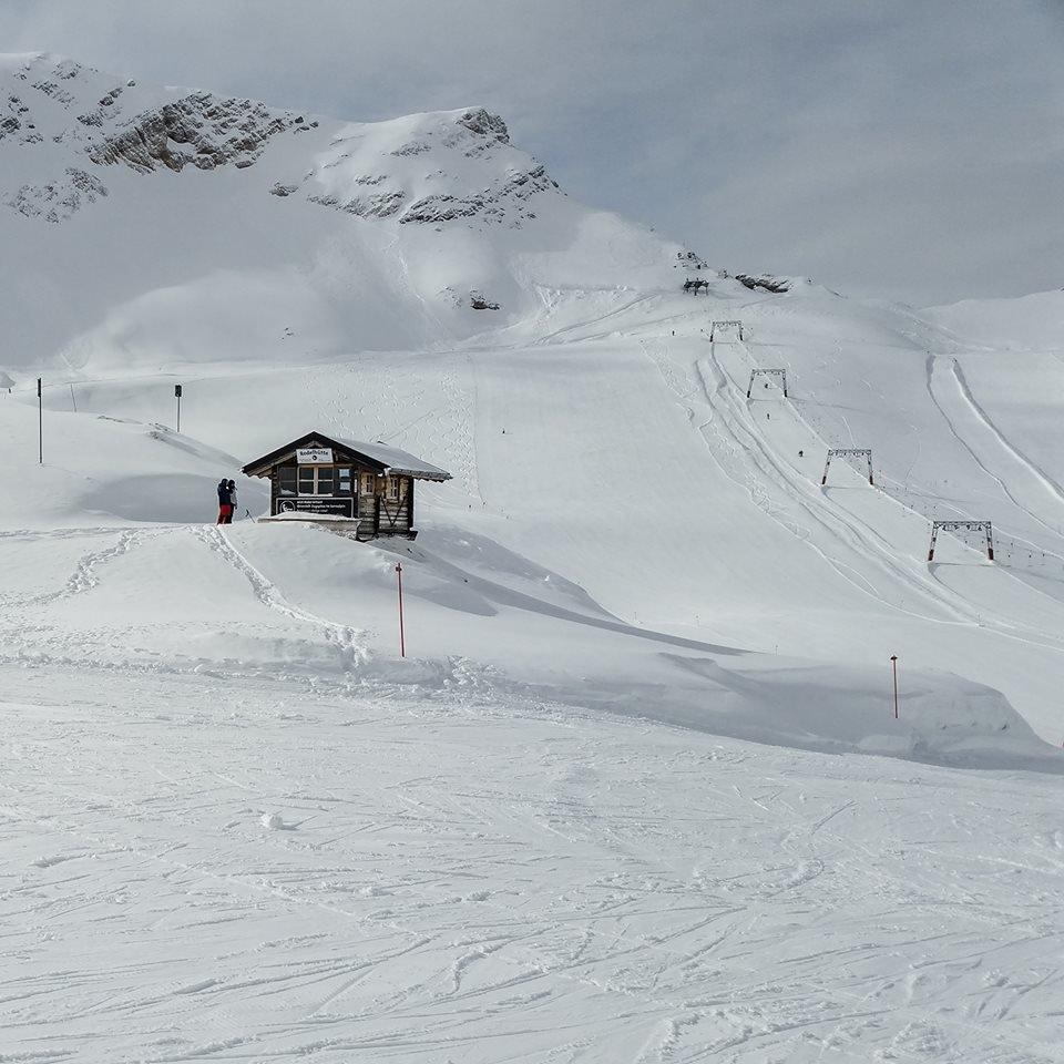 An der Zugspitze schneite es in den letzten Wochen sehr ausgiebig und regelmäßig - © Facebook Zugspitze
