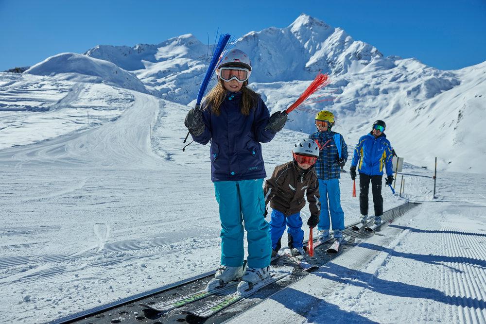 Ein lehrreicher Tag in der Skischule Splügen - © Yannick Andrea