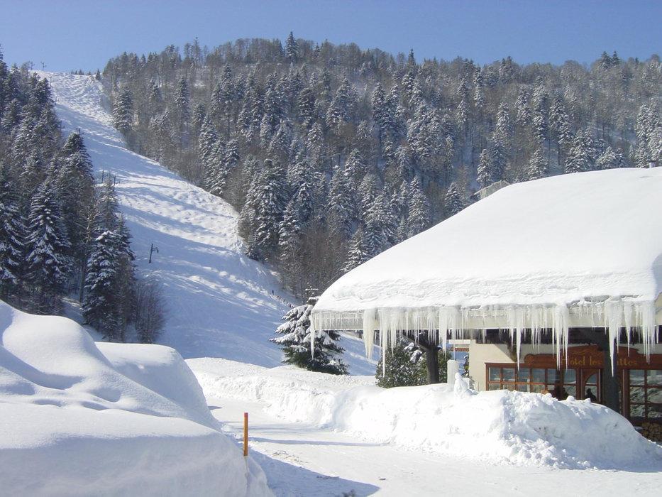 Par une belle journée d'hiver à ventron - © Station de Ventron / Ermitage Resort