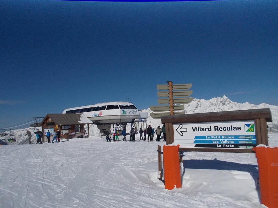 Sur le domaine skiable de Villard Reculas - © Station de Villard Reculas
