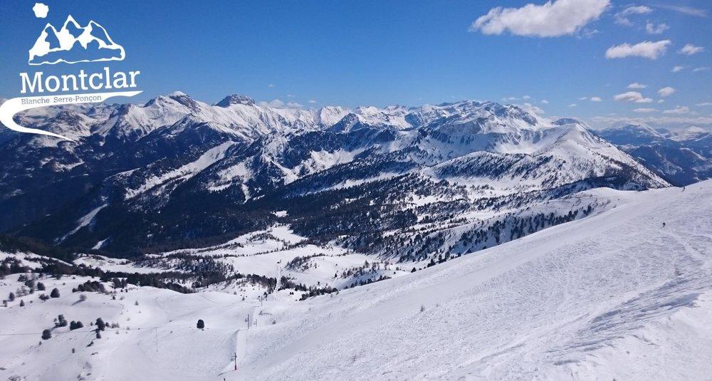 Superbes conditions (neige fraiche et soleil généreux) sur les pistes de ski de Montclar - © Station de Montclar