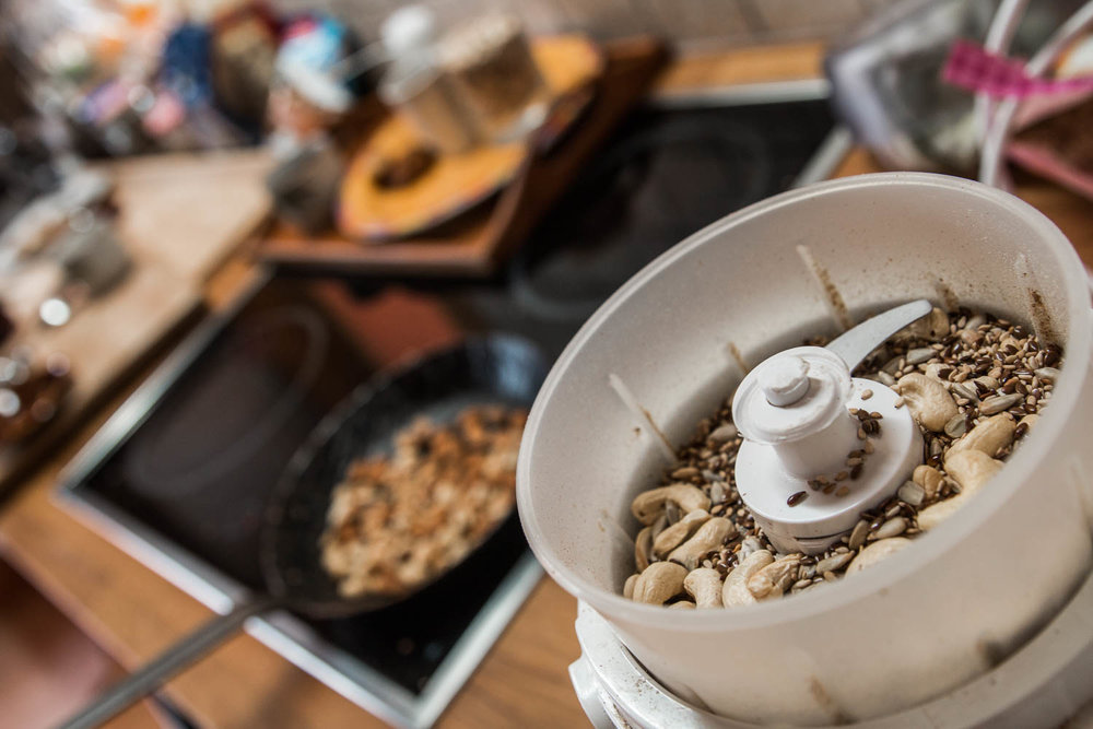 Nüsse im Mixer - ©Erika Spengler