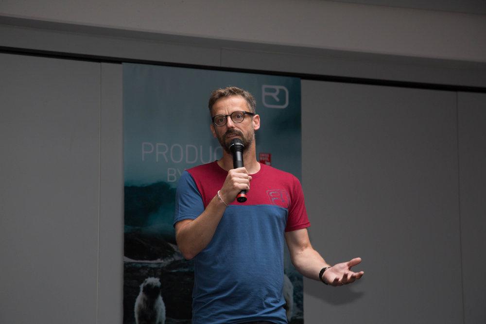 Ortovox-Chef Christian Schneidermeier bei der Pressekonferenz - ©Bergleben.de