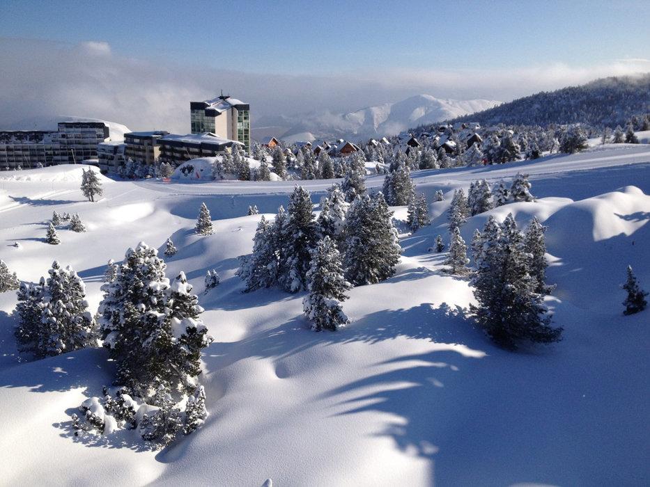 Vue sur la station de ski de La Pierre St Martin - © Office de Tourisme – La Pierre Saint-Martin / Vallée de Barétous