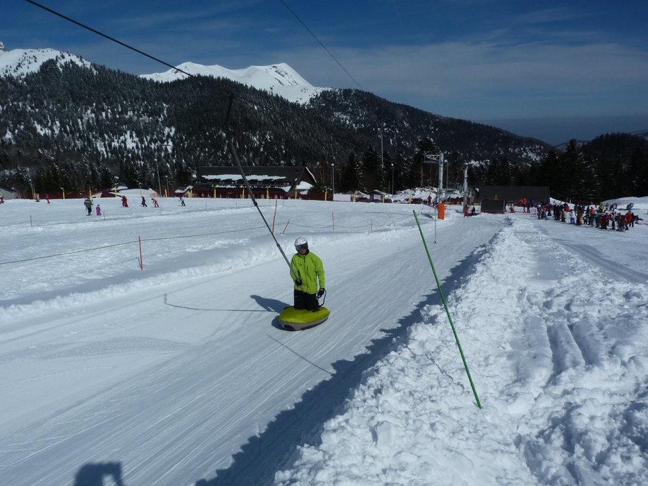 Initiation à l'airboard sur les pistes de ski du Mourtis - © Régie du Mourtis