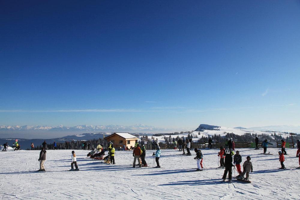 Sur les pistes de ski de Métabief Mont d'Or - © Métabief Tourisme