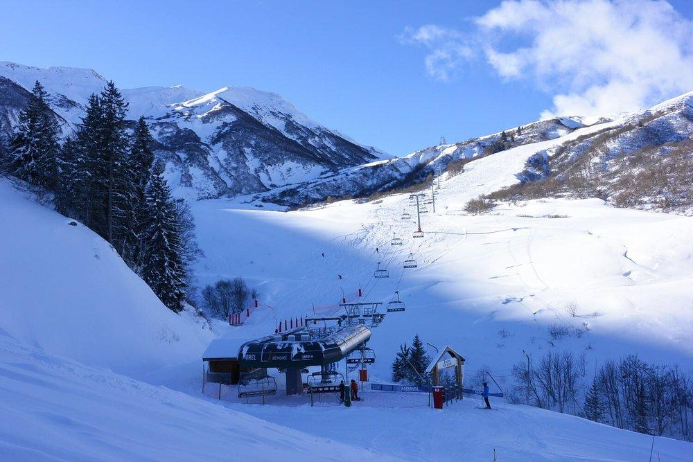 En route vers les sommets sur le domaine skiable de Valmorel - © OT de Valmorel