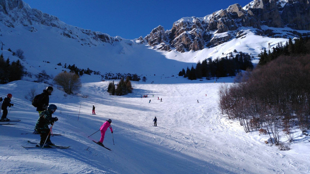 Ski en famille sur le domaine skiable de Gresse en Vercors - © Office de Tourisme de Gresse en Vercors