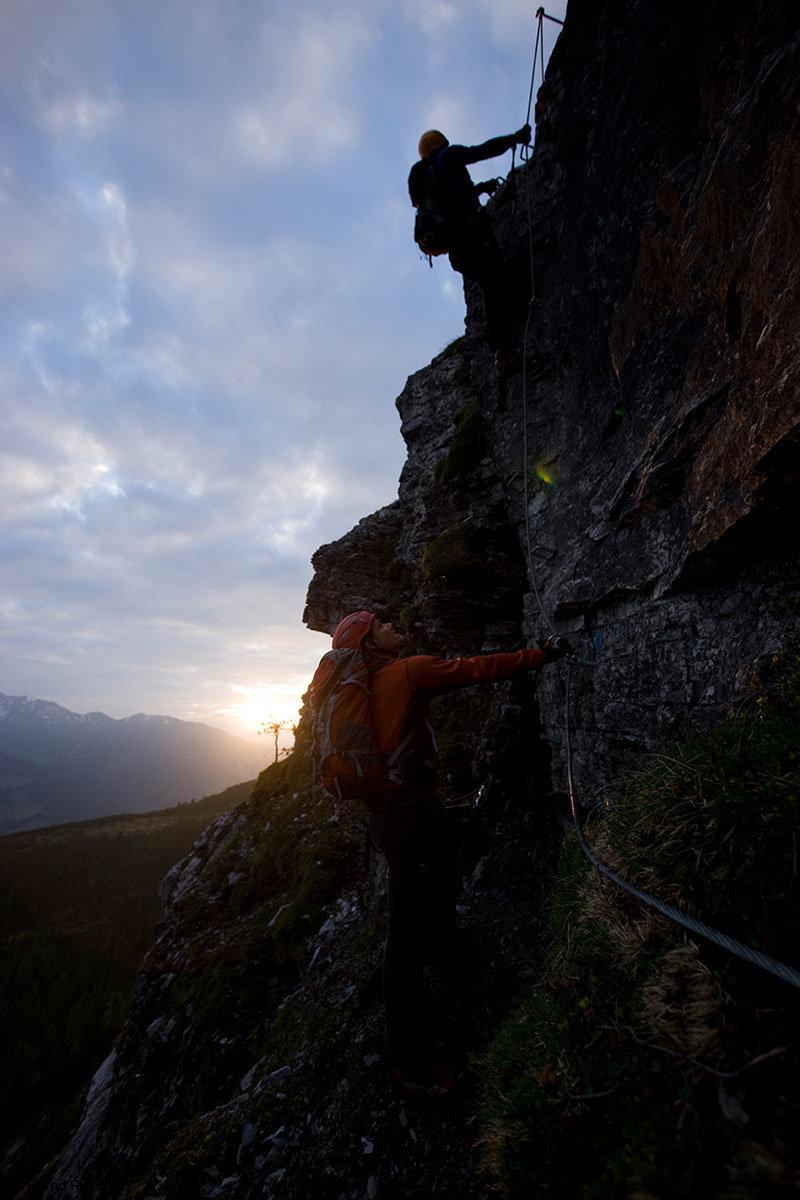 In den ewigen Jagdgründen gibt es auch kinderfreundliche Kletterrouten - © Bernd Ritschel