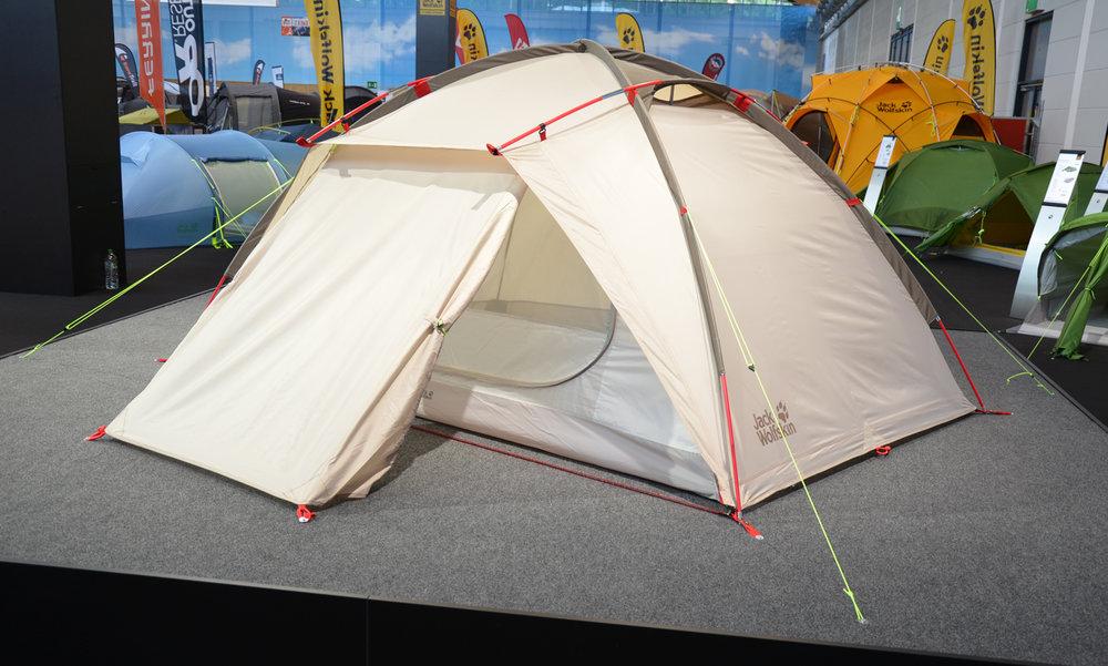 Jack Wolfskin Bed + Breakfast: Zelt und Strandmuschel zugleich - © bergleben.de