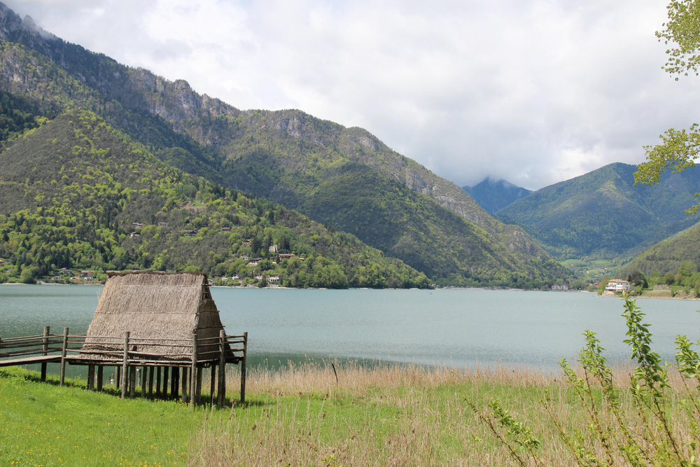 Pfahlbauten, Lago di Ledro,  westlich des Gardasees  - © Armin Herb