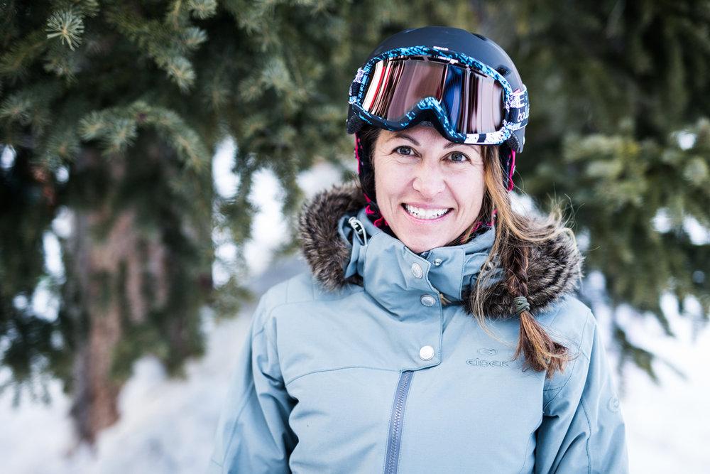 Sharelle Rodman (45) er tidligere aktiv alpinist og renntester. Hun har også lang erfaring med å teste ski. - © Liam Doran