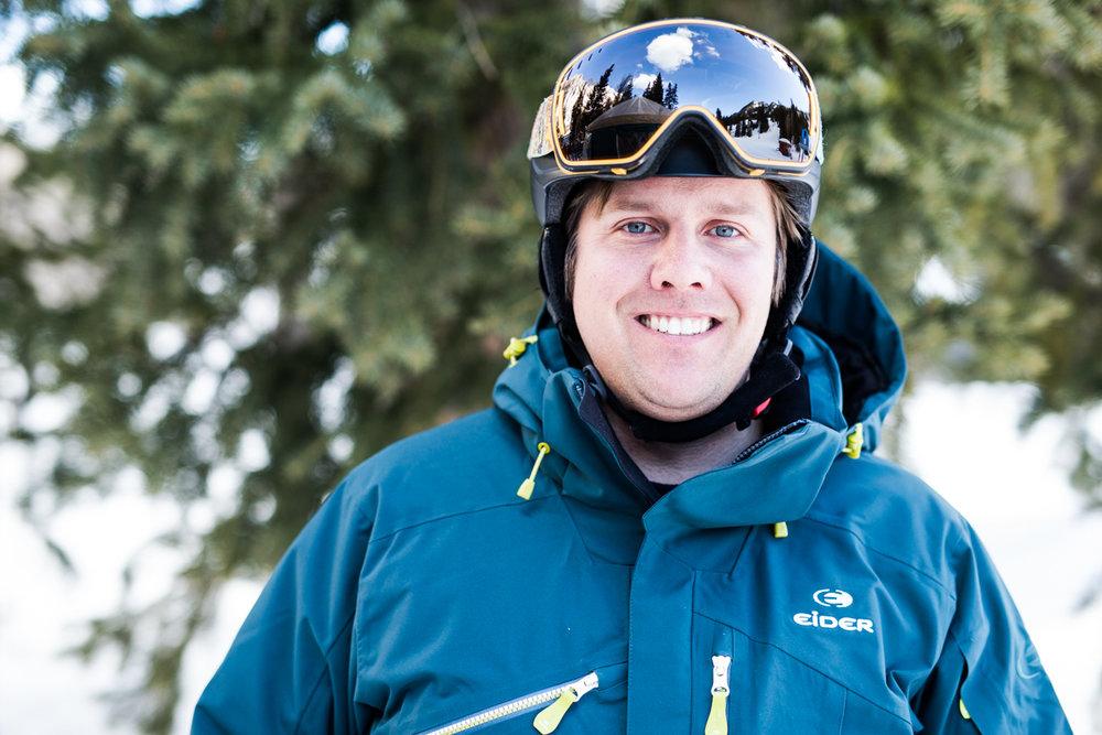 Tim Witman (35) var tidligere aktiv alpinist for St. Lawrence University. Han har lang erfaring med å teste ski. - © Liam Doran
