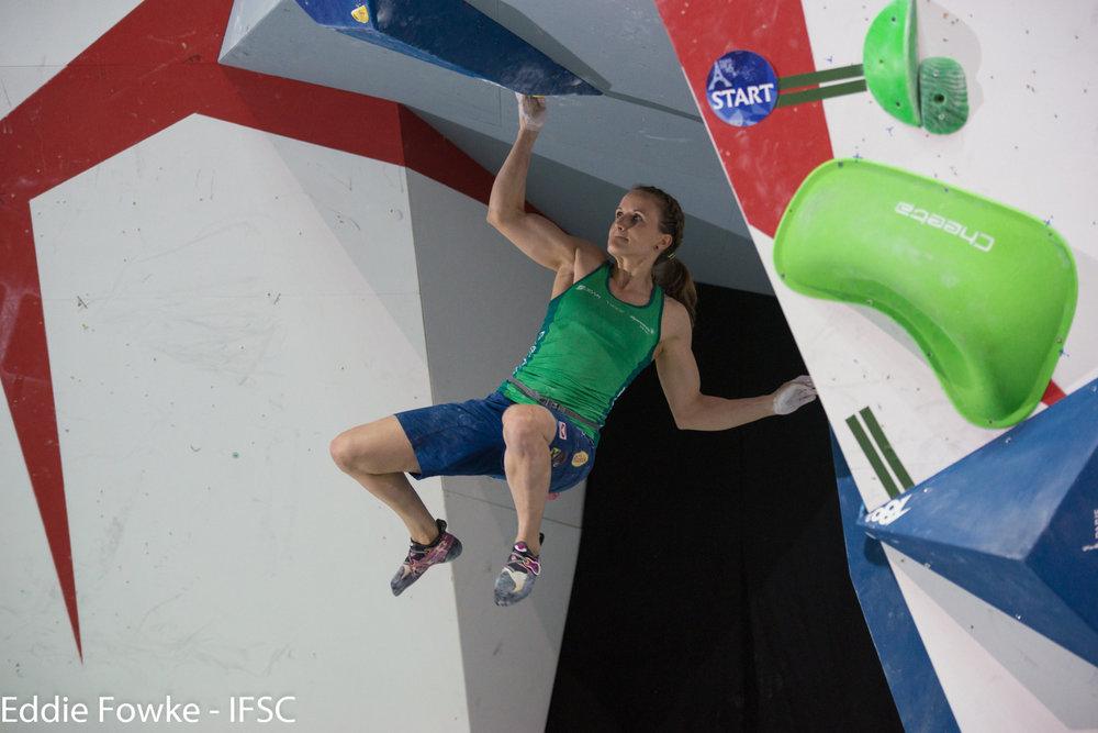 Die Österreicherin Anna Stöhr ist nicht mehr ganz so stark wie vor ein paar Jahren, schaffte es aber bei der WM noch einmal auf Rang 5 - ©IFSC / Eddie Fowke