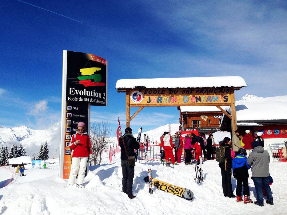 Les points de rassemblement des écoles de ski de la Rosière - © OT de la Rosière