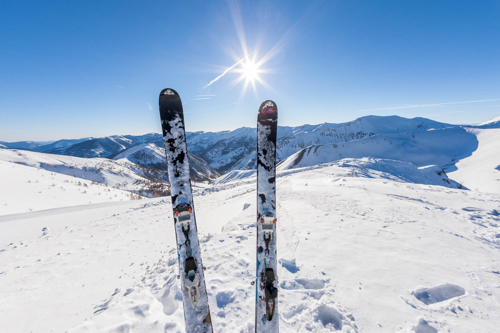 De l'espace, un ciel bleu et un magnifique soleil... On est pas bien là sur le domaine de Val d'Allos le Seignus ? - © Office de tourisme du Val d'Allos / R. Palomba
